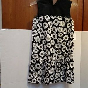 Victoria Beckham.. Girls Daisy Dress.. Size L